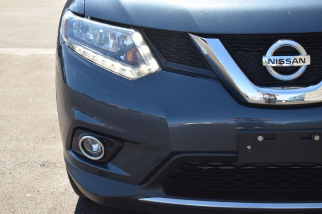2016 Nissan Rogue SV  | BACK UP CAM | HEATED SEATS |