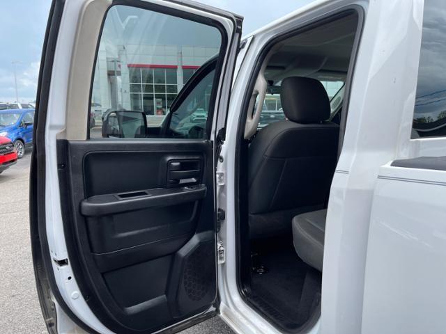 2016 Ram 1500 4WD Quad Cab 140.5 Tradesman
