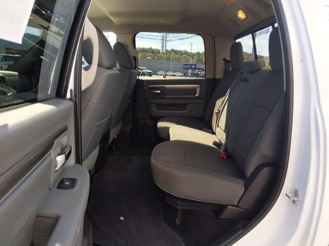 2016 Ram 1500 4WD Crew Cab 149 Big Horn