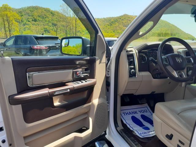 2016 Ram 1500 4WD Crew Cab 149 Laramie