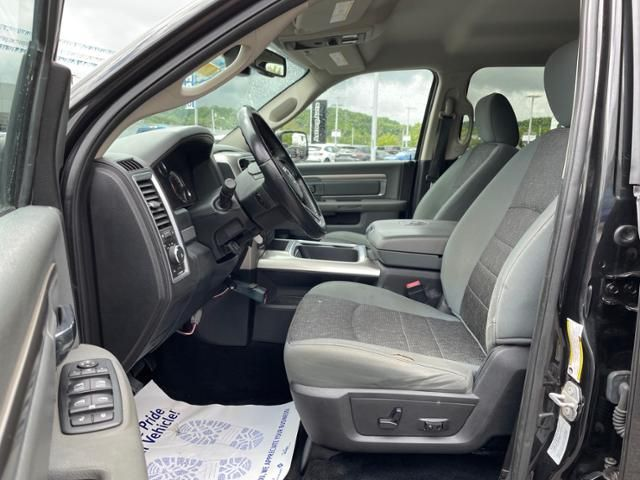 2016 Ram 1500 4WD Crew Cab 140.5 Big Horn