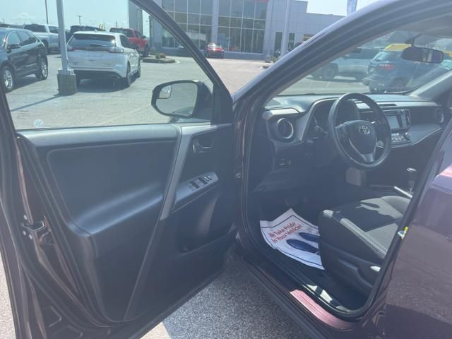 2016 Toyota RAV4 AWD 4dr XLE