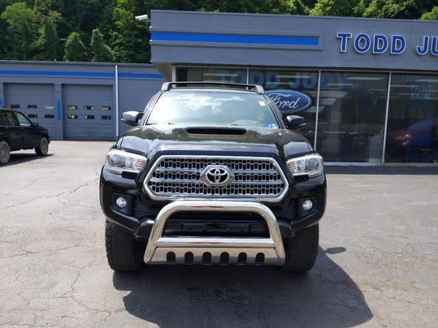 2016 Toyota Tacoma 4WD Double Cab LB V6 AT TRD Sport
