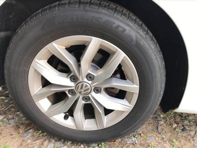 2016 Volkswagen Passat 1.8T S PZEV