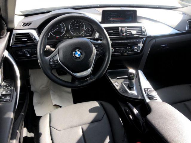 2017 BMW 3 Series 320i xDrive  Leather Interior-Navigation-Sunroof-Heated Seats- B