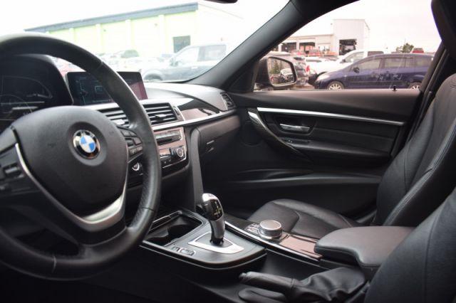 2017 BMW 3 Series 330i xDrive    SUNROOF   DUAL CLIMATE   NAV  