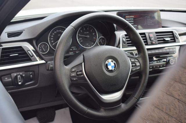 2017 BMW 3 Series 330i xDrive  | SUNROOF | NAV |