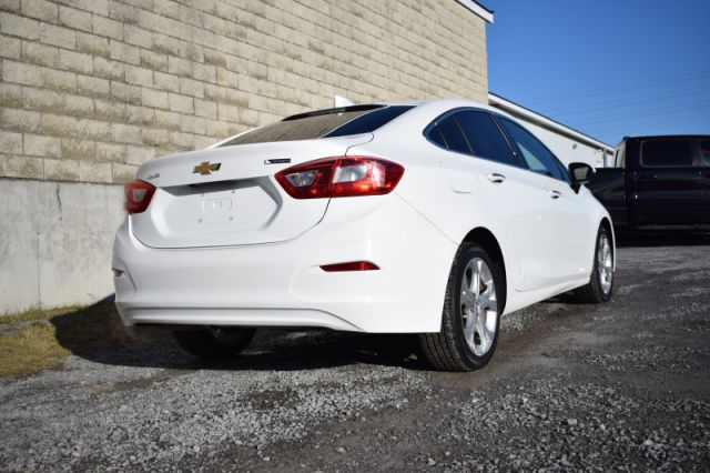 2017 Chevrolet Cruze Premier    LEATHER   HEATED SEATS