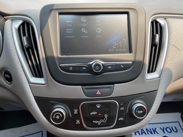 2017 Chevrolet Malibu 4dr Sdn LS w/1LS