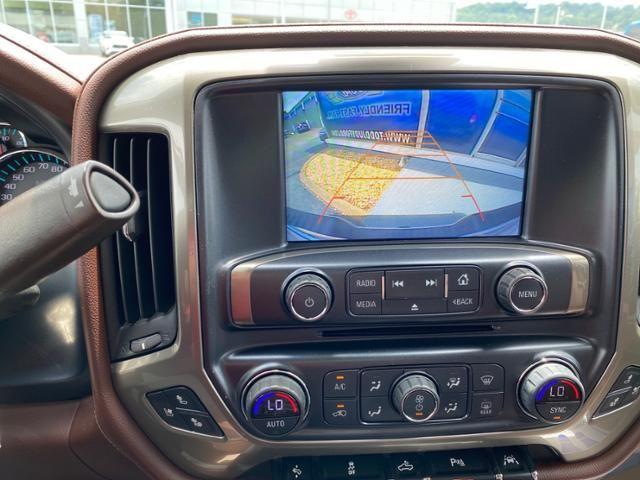 2017 Chevrolet Silverado 1500 4WD Crew Cab 143.5 High Country