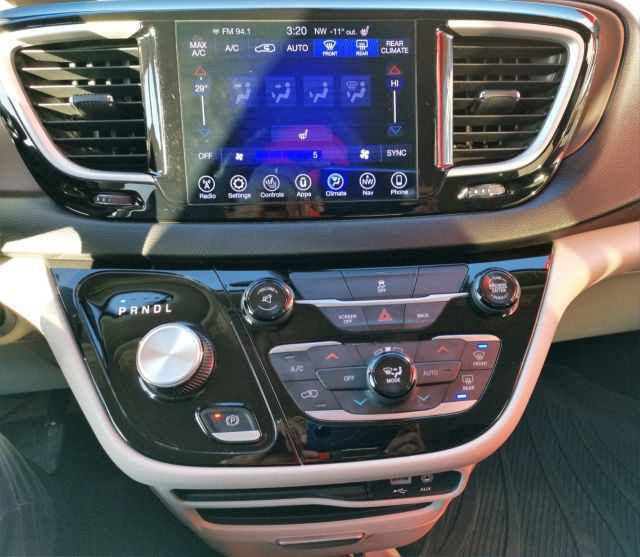2017 Chrysler Pacifica Wagon Touring-L, Remote Start