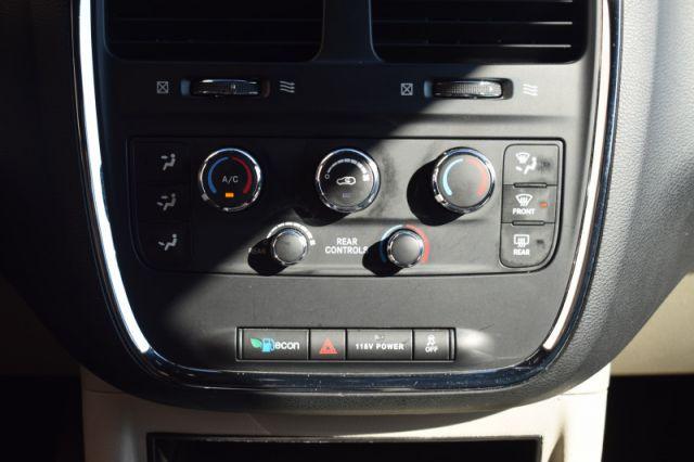 2017 Dodge Grand Caravan SXT Premium Plus    DUAL CLIMATE   DVD   BACKUP CAM  