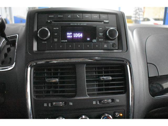 2017 Dodge Grand Caravan SXT - * UCONNECT * REAR AND DUAL CLIMATE CONTROL *