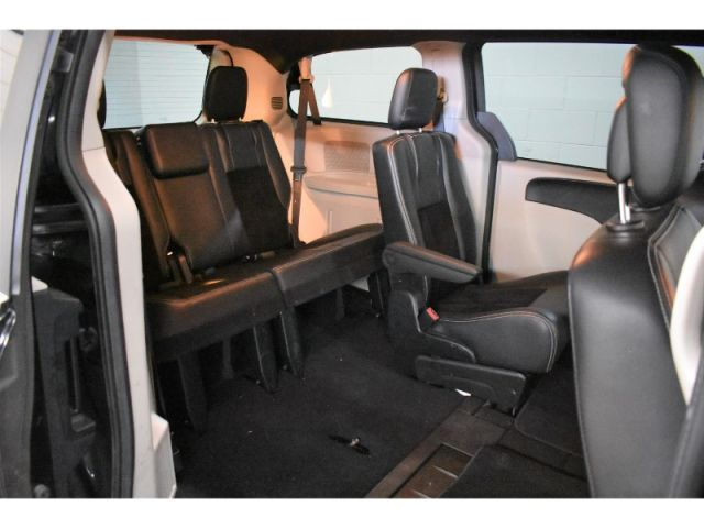 2017 Dodge Grand Caravan SXT- REAR STOW N GO * HANDSFREE * CRUISE