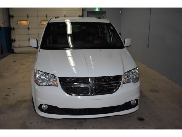 2017 Dodge Grand Caravan SXT- LEATHER * HANDSFREE *FULL STOW N GO