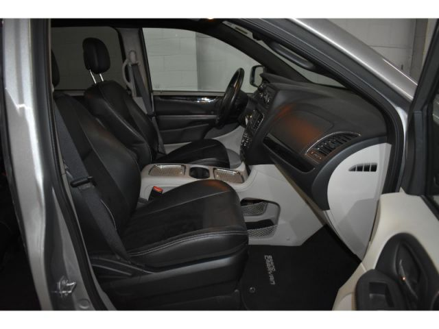2017 Dodge Grand Caravan SXT+ * LEATHER * UCONNECT * FULL STOW N GO *