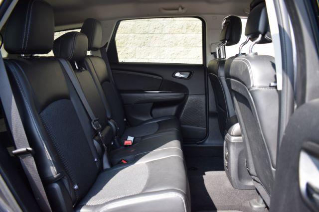 2017 Dodge Journey Crossroad    HEATED SEATS & WHEEL   LEATHER  