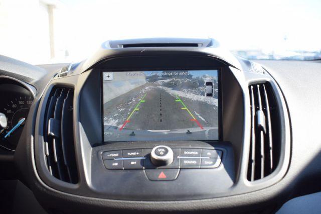 2017 Ford Escape SE    MOONROOF   HEATED SEATS  