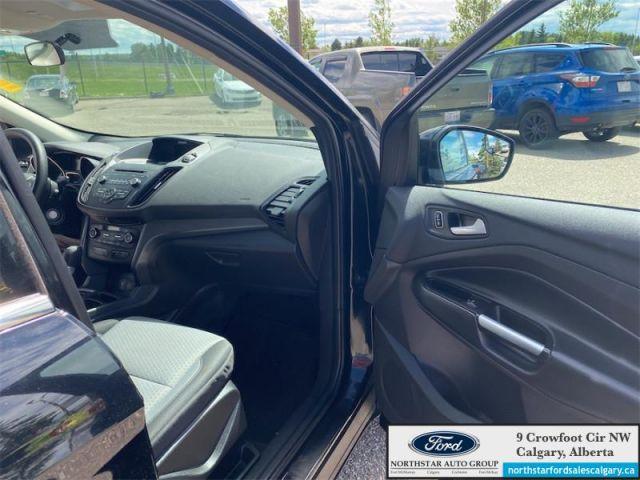 2017 Ford Escape SE  |SE| HEATED SEATS| CLOTH| HITCH|