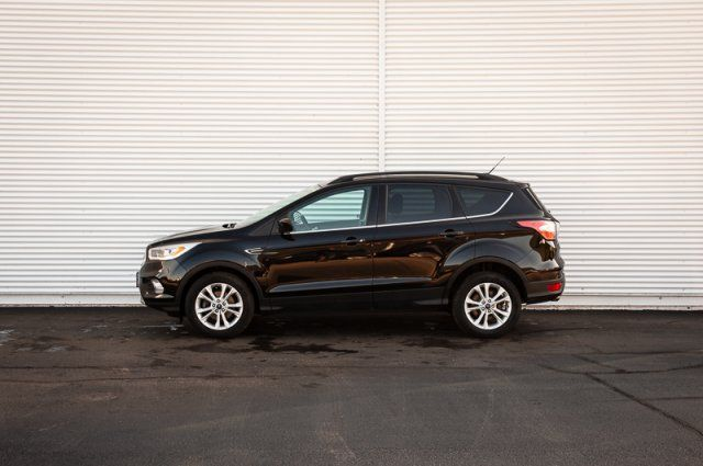 2017 Ford Escape SE / BACK UP CAM / NAV / HEATED SEATS