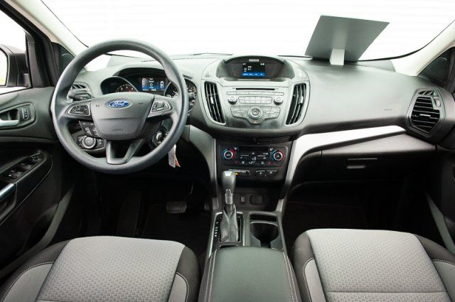 2017 Ford Escape SE / ACCIDENT FREE / HEATED SEATS / BACK UP CAM