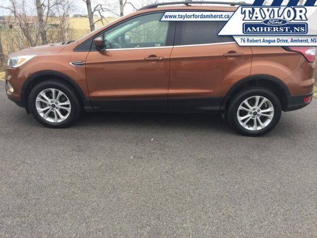2017 Ford Escape SE  - Local - One owner - Trade-in - $79.60 /Wk