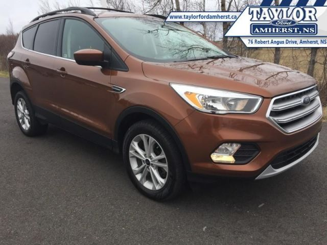 2017 Ford Escape SE  - Local - One owner - Trade-in - $76.12 /Wk