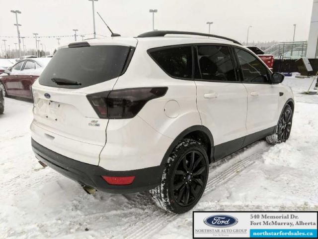 2017 Ford Escape SE  |2.0L|Nav|Twin Panel Moonroof