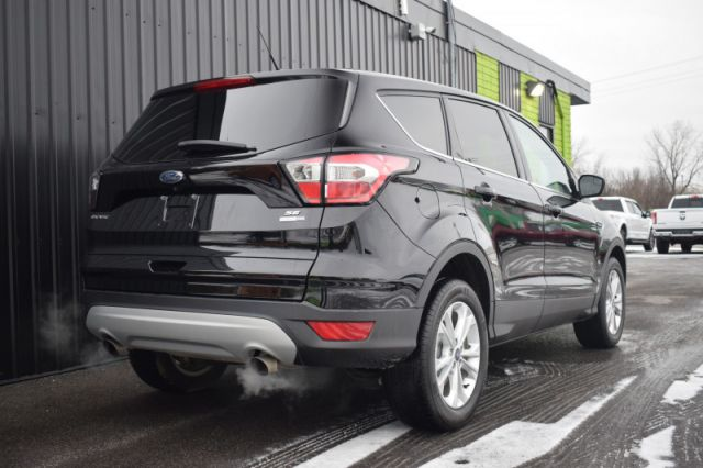 2017 Ford Escape SE  4WD | SIRIUSXM READY
