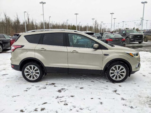 2017 Ford Escape Titanium 4WD  |2 YEARS / 40,000KMS EXTENDED POWERTRAIN WARRANTY