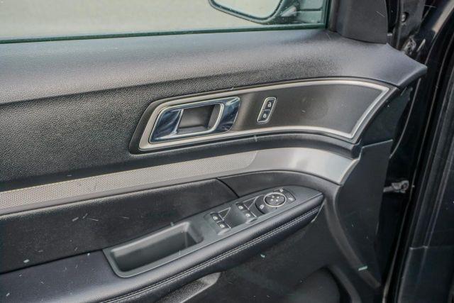 2017 Ford Explorer FWD 4dr XLT