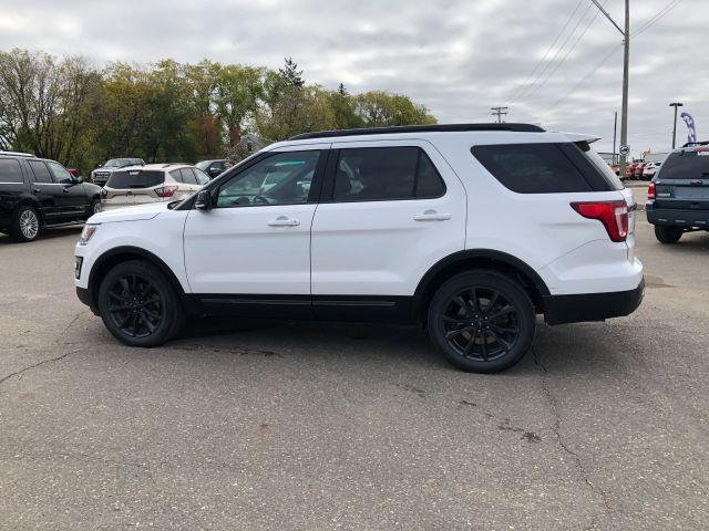 2017 Ford Explorer XLT *LOCAL TRADE*
