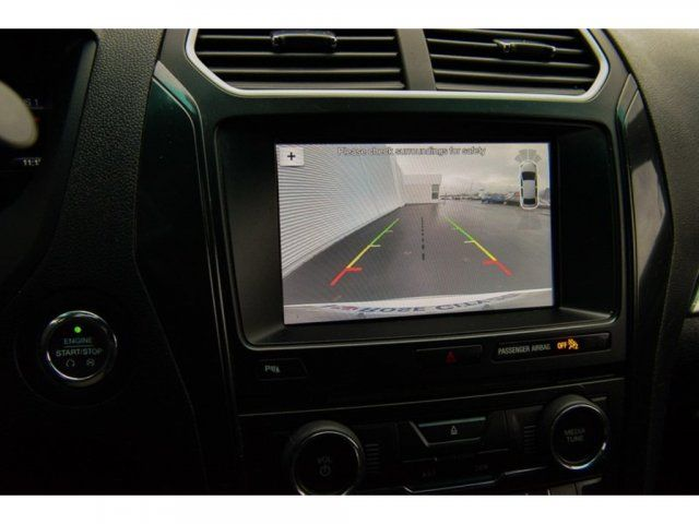 2017 Ford Explorer XLT / 4x4 / Accident Free / Backup Cam / Nav