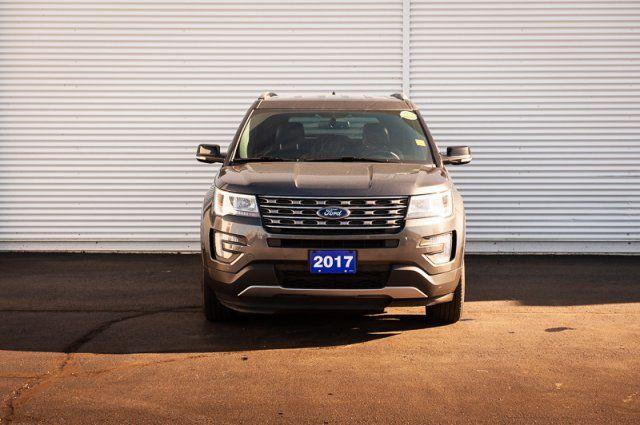 2017 Ford Explorer XLT / HEATED LEATHER / BACK UP CAM & SENSORS / REMOTE START