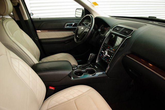 2017 Ford Explorer Platinum / REMOTE START / MOON ROOF / BACK UP CAM / NAVIGATION