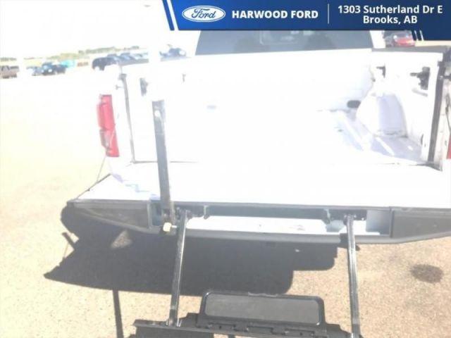 2017 Ford F-150 LARIAT-NAVIGATION-TWIN MOONROOF-283 B/W