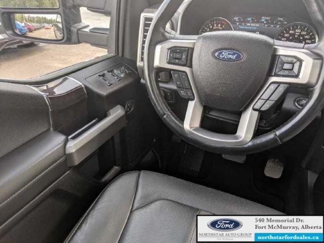 2017 Ford F-150 Platinum   3.5L Rem Start Nav Twin Panel Moonroof Tech Pkg