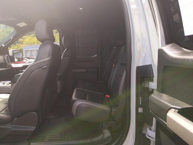 2017 Ford F-150 Raptor 4WD SuperCab 5.5 Box