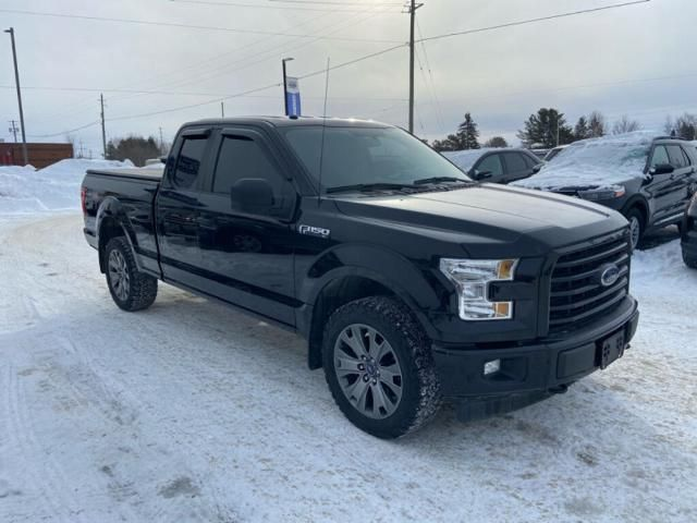 2017 Ford F-150 XL-ONE OWNER-POWER MIRRORS-221 B/W