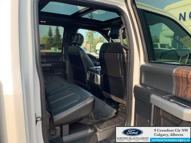 2017 Ford F-350 Super Duty Platinum  |PLATINUM ULTIMATE PKG|MOONROOF| NAV| ONE OWNER|