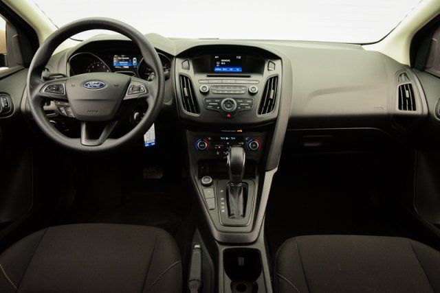 2017 Ford Focus SE / Accident Free / Backup Camera / Bluetooth