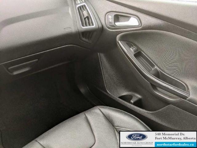 2017 Ford Focus Titanium Sedan   2.0L Rem Start Nav Moonroof