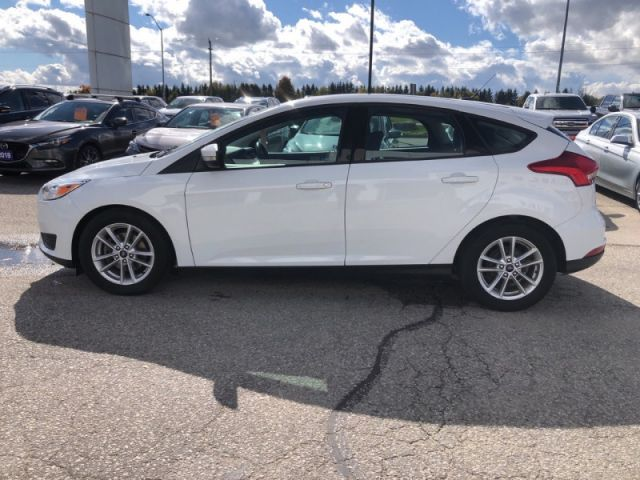 2017 Ford Focus SE   - Heated Seats- Heated Steering Wheel- Blue Tooth-Back Up C