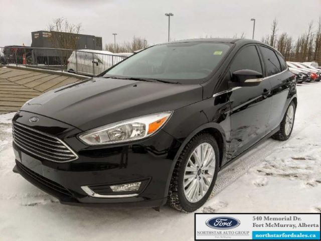 2017 Ford Focus Titanium Hatch  |2.0L|Rem Start|Nav|Moonroof