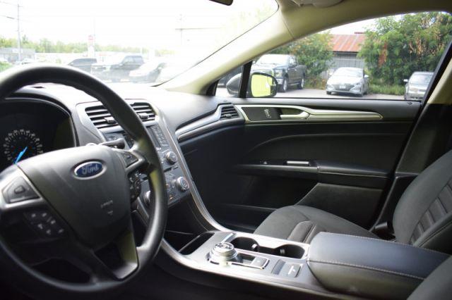 2017 Ford Fusion SE    BLUETOOTH   BACKUP CAM  