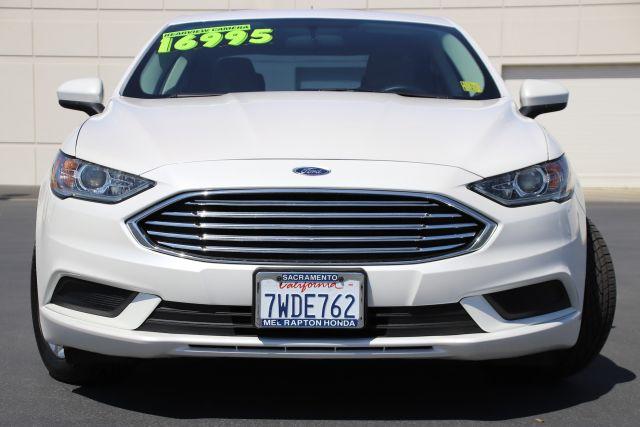2017 Ford Fusion SE Sedan
