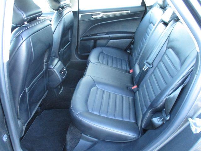 2017 Ford Fusion Sedan SE AWD