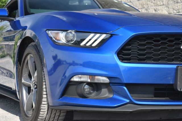 2017 Ford Mustang V6  - Bluetooth