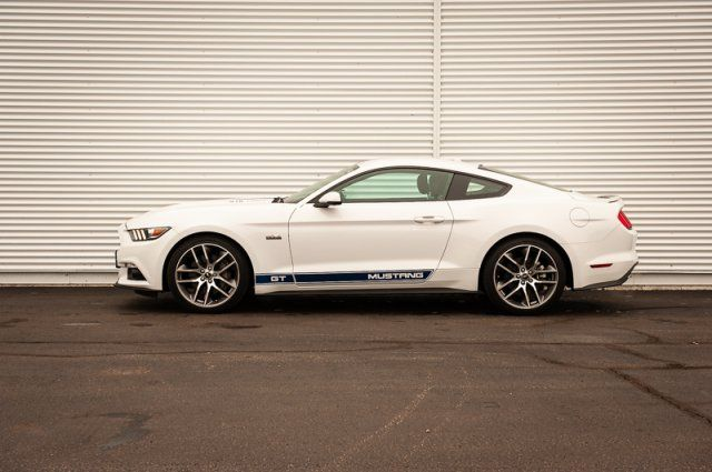 2017 Ford Mustang BACK UP CAM & SENSORS / HEATED & COOLED LEATHER / NAV