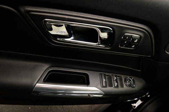 2017 Ford Mustang GT Premium / ACCIDENT FREE / LEATHER / PARKING SENSORS